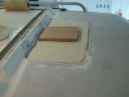 Reparatie dek en mastvoet J22